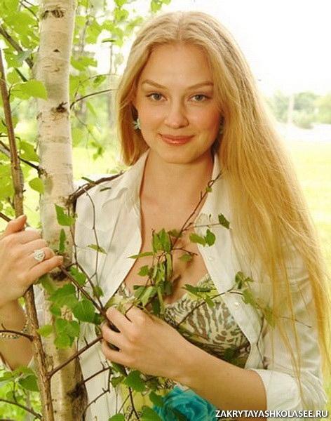 За роль настоящей русской красавицы она была удостоена нескольких